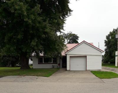Menominee Single Family Home For Sale: 908 16th St