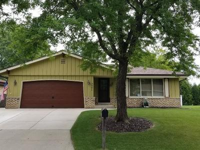 Milwaukee Single Family Home For Sale: 3984 S 72nd St