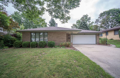 West Allis Single Family Home Active Contingent With Offer: 2438 S 93rd St