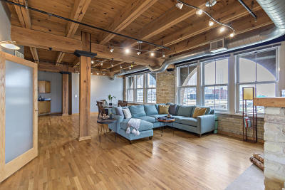 Milwaukee Condo/Townhouse For Sale: 413 N 2nd St #520