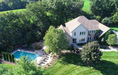 Waukesha Single Family Home For Sale: N4w30625 Maplefields Path