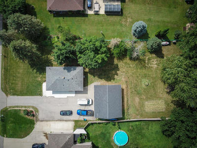 Racine County Single Family Home Active Contingent With Offer: 25206 Kickapoo Dr