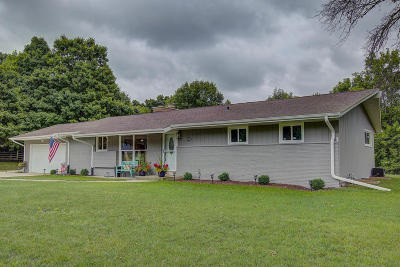 Brookfield Single Family Home Active Contingent With Offer: 14465 Lindsay Dr