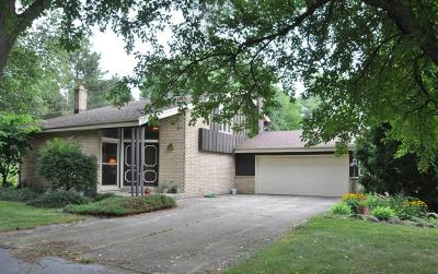 Washington County Single Family Home Active Contingent With Offer: W132n11322 Forest Dr