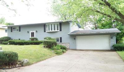 Single Family Home Sold: 1425 Lakeview Dr