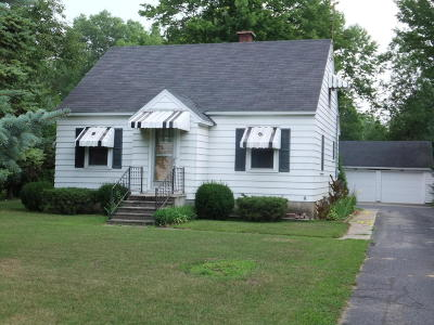 Menominee Single Family Home Active Contingent With Offer: N1194 State Highway 41