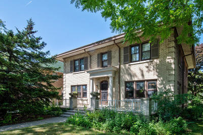 Milwaukee Single Family Home Active Contingent With Offer: 2212 E Newberry Blvd