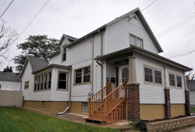 Racine Single Family Home For Sale: 1124 Irving Pl