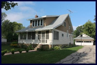 Jefferson County Single Family Home Active Contingent With Offer: 115 N Ferry Dr