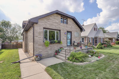 Racine Single Family Home Active Contingent With Offer: 1918 Quincy Ave
