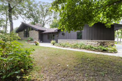 Lake Geneva Single Family Home Active Contingent With Offer: N2337 W Main Rd