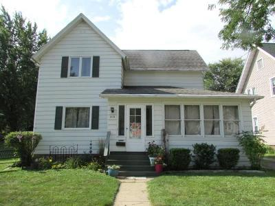 Fort Atkinson Single Family Home For Sale: 310 N Fourth St