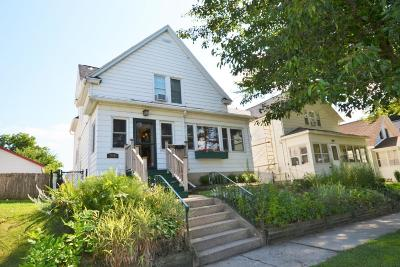 Kenosha Single Family Home Active Contingent With Offer: 715 40th St