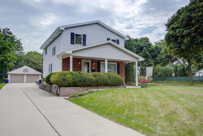 West Allis Single Family Home Active Contingent With Offer: 1118 S 96th St