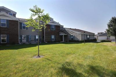 Pewaukee Condo/Townhouse Active Contingent With Offer: N16w26545 Wild Oats Dr #H