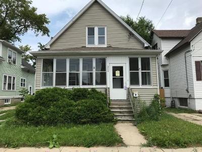Kenosha Single Family Home For Sale: 6025 25th Ave