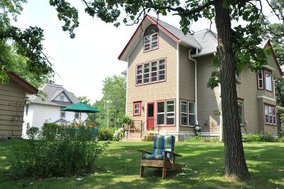 Mukwonago Single Family Home Active Contingent With Offer: 119 Eagle Lake Ave
