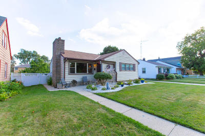 South Milwaukee Single Family Home Active Contingent With Offer: 613 Elm Ave