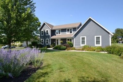 Menomonee Falls Single Family Home Active Contingent With Offer: W134n6775 Wild Rose Ct