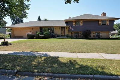 Ozaukee County Single Family Home For Sale: 527 W Jefferson St