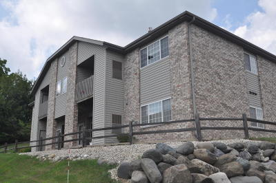 Muskego Condo/Townhouse Active Contingent With Offer: W169s7639 Gregory South #H