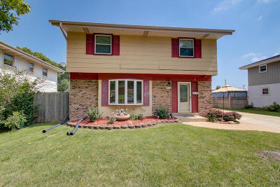 Milwaukee Single Family Home For Sale: 5412 S 14th St