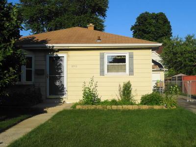 Racine Single Family Home For Sale: 2511 Kentucky St