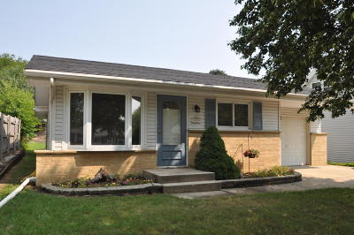 Racine Single Family Home For Sale: 5310 Marboro Dr
