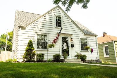 Wauwatosa Single Family Home For Sale: 7716 Livingston Ave