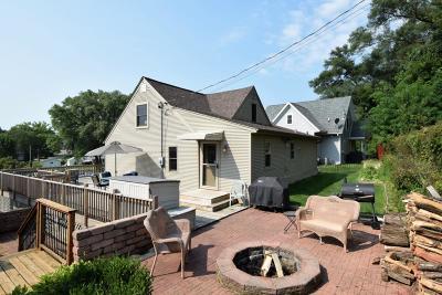 Racine County Single Family Home For Sale: 33920 Lagoon Dr