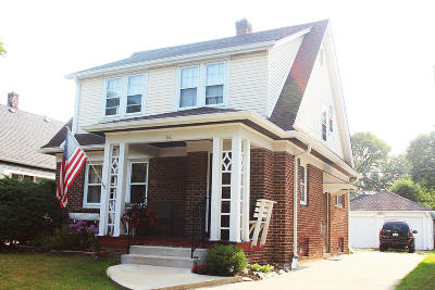 Wauwatosa WI Single Family Home For Sale: $198,500