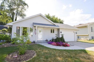 Pleasant Prairie WI Single Family Home For Sale: $224,999