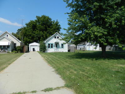 Racine Single Family Home For Sale: 2206 Orchard St