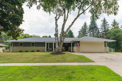 Ozaukee County Single Family Home Active Contingent With Offer: N81w5857 Orchard Dr
