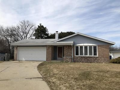 Milwaukee Single Family Home For Sale: 6953 N 78th Ct