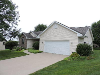 Fort Atkinson Single Family Home Active Contingent With Offer: 1205 Comanche Ct