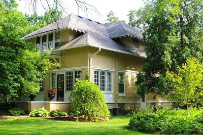 Oconomowoc Single Family Home For Sale: 505 W Labelle Ave