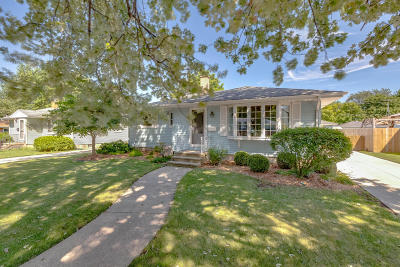 Kenosha County Single Family Home Active Contingent With Offer: 5317 44th Ave