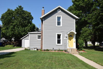 Fort Atkinson Single Family Home For Sale: 402 S Main St