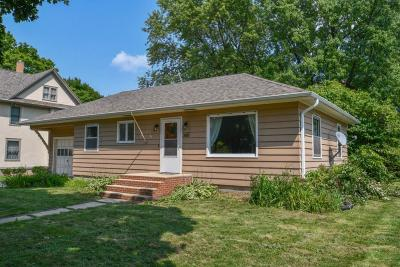 Lake Mills Single Family Home For Sale: 360 S Main St