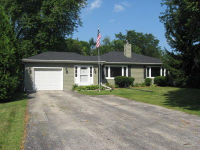 Wauwatosa Single Family Home For Sale: 2225 N 116th St