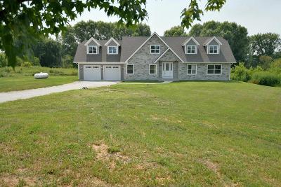 Kenosha County Single Family Home For Sale: 27801 122nd St