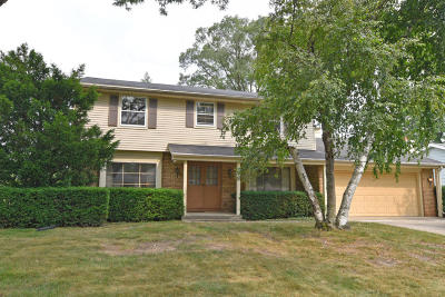 West Allis Single Family Home Active Contingent With Offer: 3304 S 123rd St