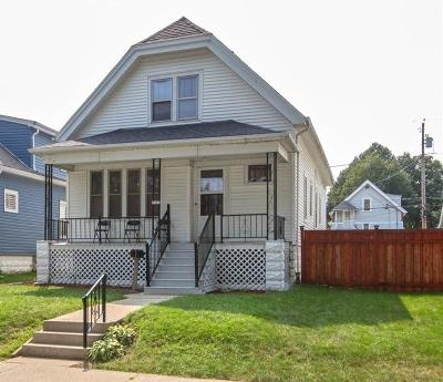 Milwaukee Single Family Home For Sale: 3147 S 8th St