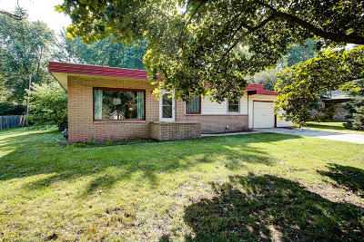 Greenfield Single Family Home For Sale: 5124 S Honey Creek Dr