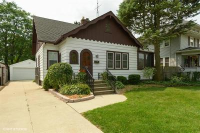Kenosha County Single Family Home Active Contingent With Offer: 1613 74th St