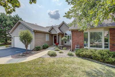Pewaukee Condo/Townhouse Active Contingent With Offer: N19w26683 Goldenrod Ct #A