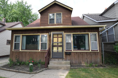 Milwaukee WI Single Family Home For Sale: $190,000