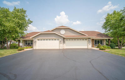 Milwaukee County Condo/Townhouse For Sale: 3204 Sanctuary Dr