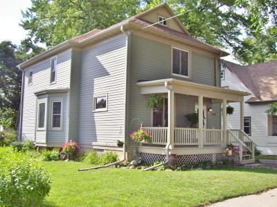 Watertown Single Family Home For Sale: 706 S Ninth St